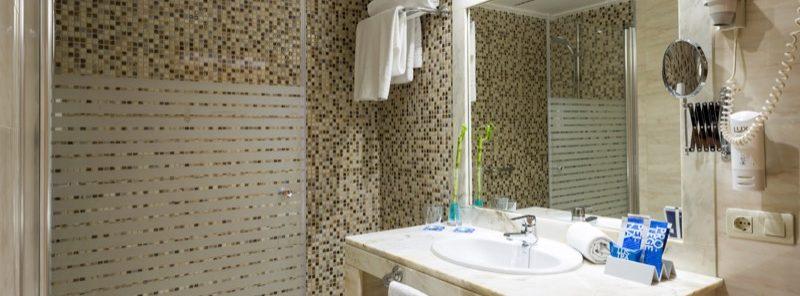 Hotel TRYP baño